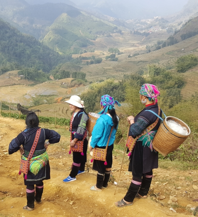 Having a glimpse of H'mong culture in Sapa, Vietnam